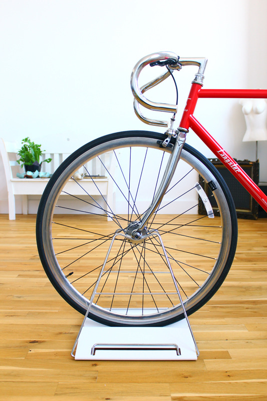 With its chromed stainless steel frame, the Guilin Bike Stand practically disappears into the bicycle.