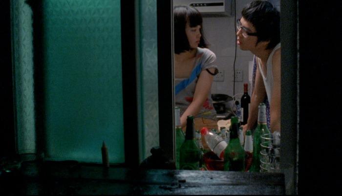 Nova (Little Punk) and Lei (Wang Xu) in ICEBERG (photo: Chen Xiaomeng)