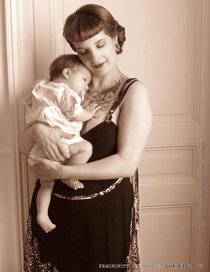 Ginger and Baby Diamond shot by Velvet d'Amour for VOLUP2 magazine