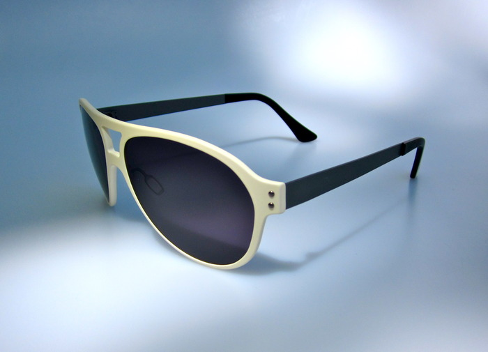'The Nylon' aviator in matte white