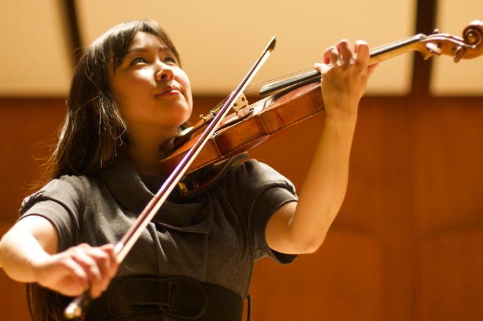 Rika Ikeda, violin