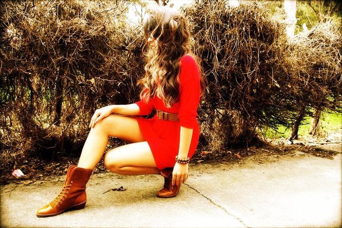 Carolina models the new Kenya boots (Sienna Brown)