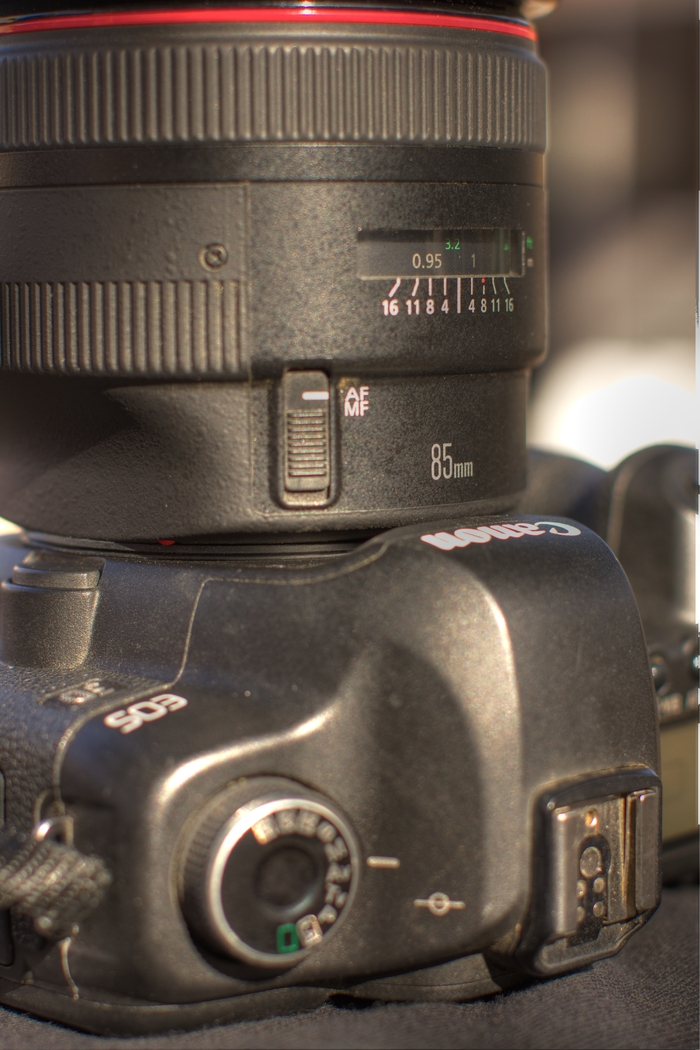 Dust Donut installed on the Canon 5D Mark II with 85mm f/1.2 II lens