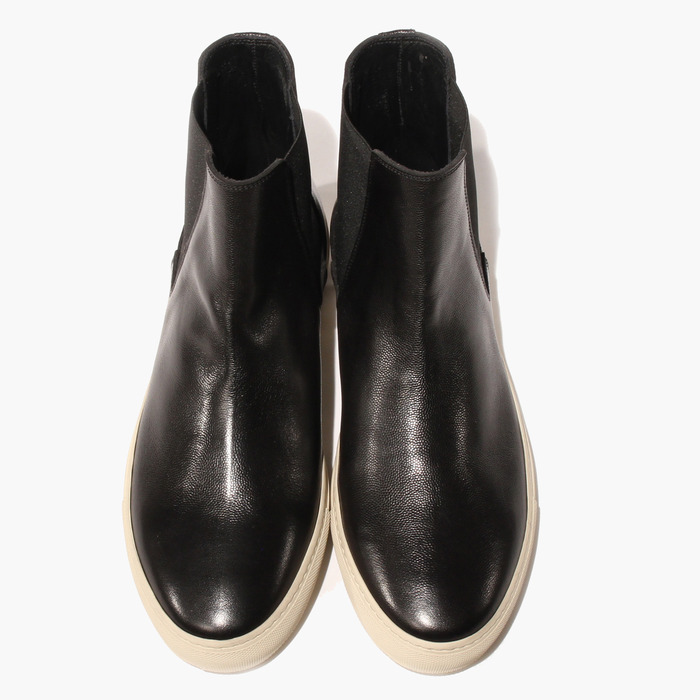 Made from the finest Italian calf leather