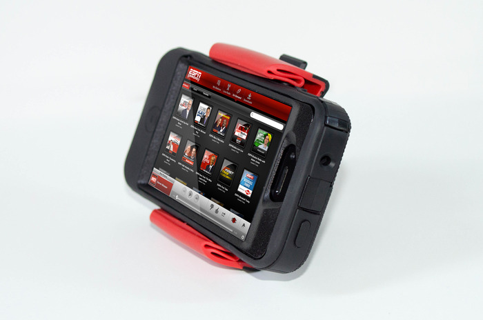 itFits with the iPhone 4s and Otterbox Protected Case