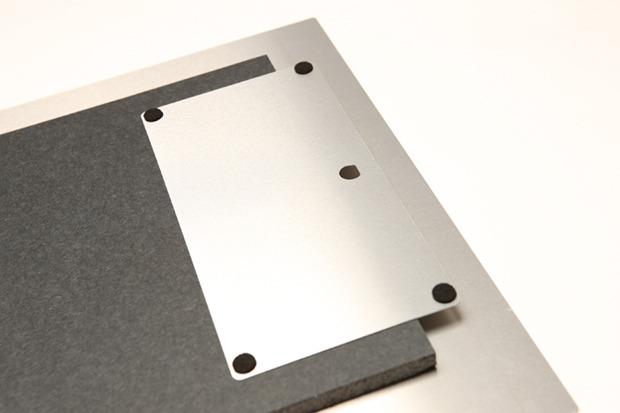 Detail of MetalPrint float block mount.