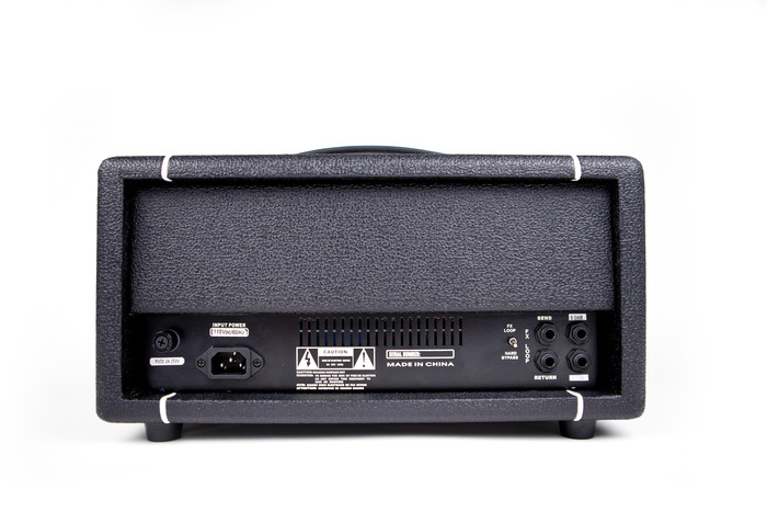 Here's a photo of the rear of the amp.