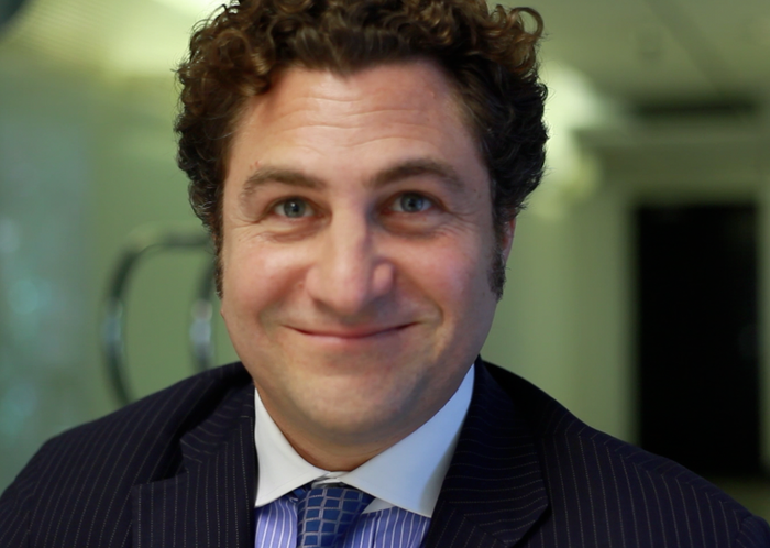 This is Josh Weinstein.  He plays Frank, Harry's literay agent in the trailer.