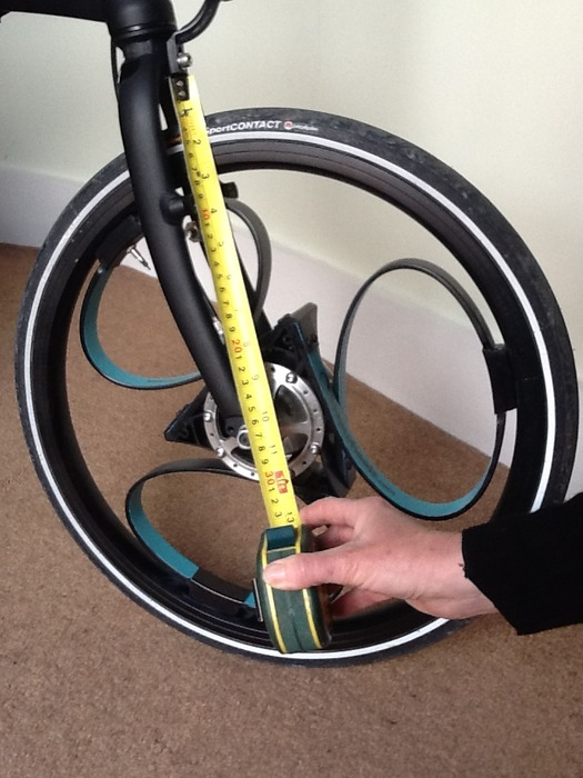 Checking for 260mm clearance from the centre of the hub: front wheel
