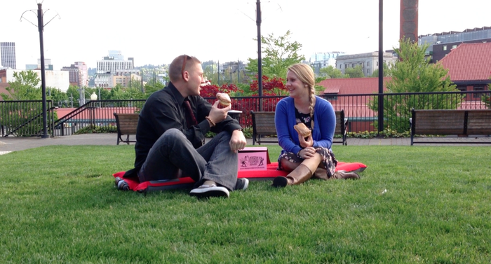 A picnic on your lunch break is a great way to unwind