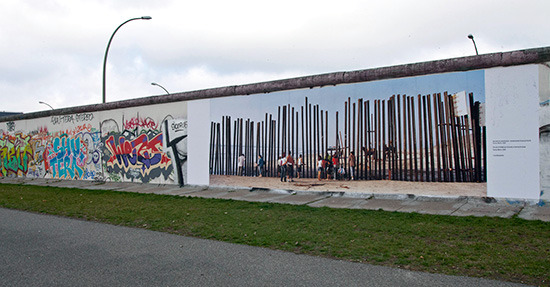 test mounting of a 3x9m panoramic print onto the Berlin Wall