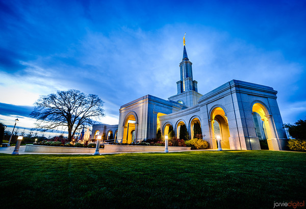An LDS Temple in Sacramento