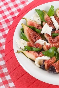 Figs and Basil, either with vegan cheese or mozzarella. Choice is yours.