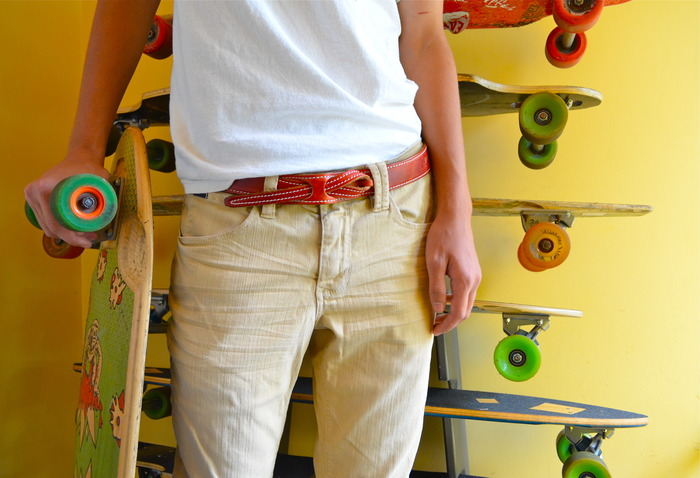 Lombardi Leather Buckle-Less Belt - Cruising In Style