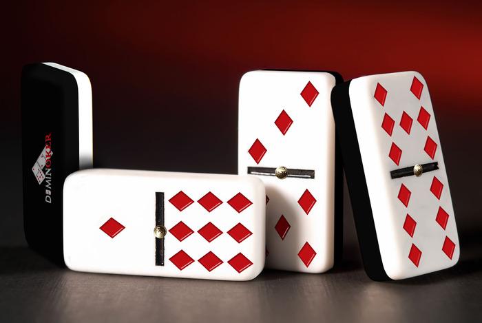 Professional Dominoker Set