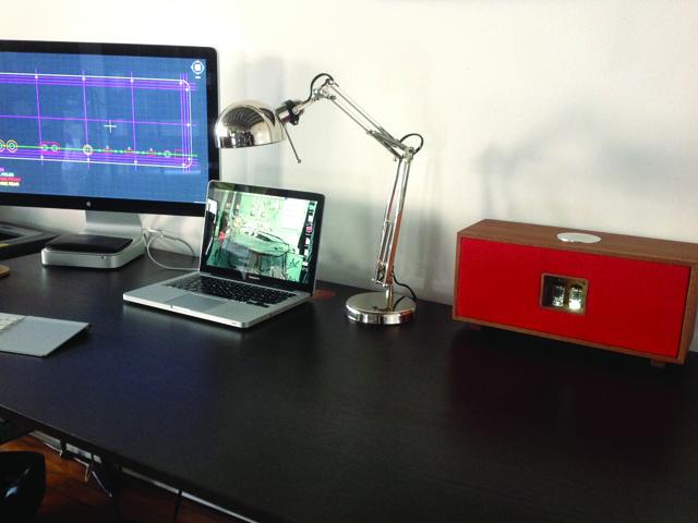 A desktop Duo in Geranium