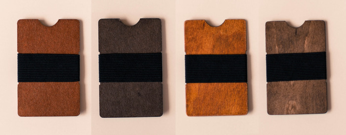 The Dollar Wallet, two available stains on the left. The Dollar Wallet Plus, two available stains on the right.