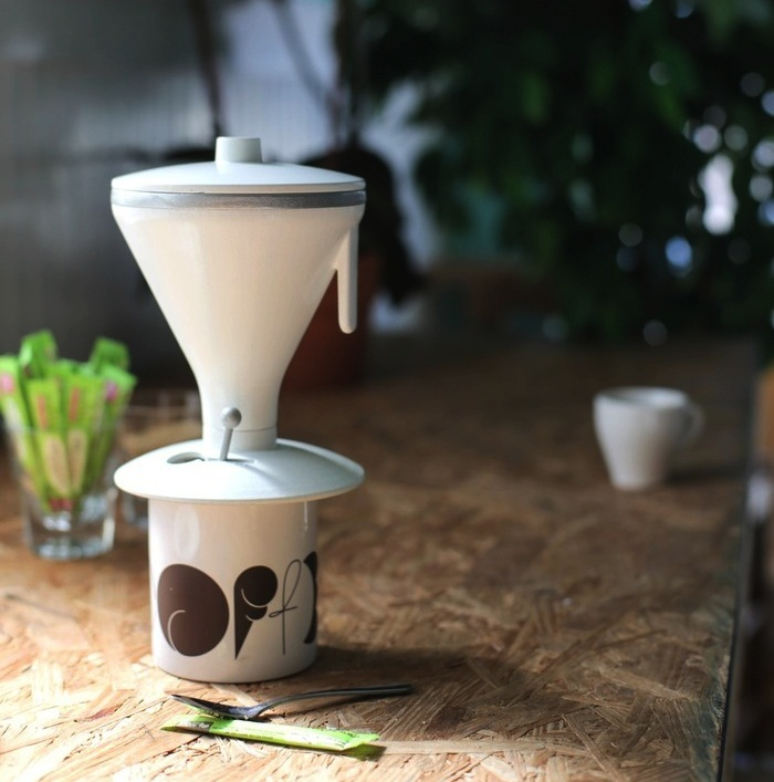 A Combination of French Press & Pour Over