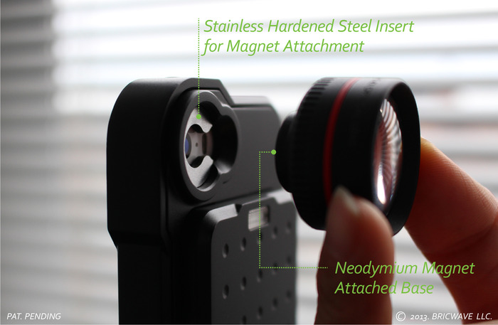 * Stainless Hardened Steel insert holds the lens quickly and securely.(MODEL:[BRIC+] 2450mAh Power Case with 3.5X Optical Lens)   Black/Black