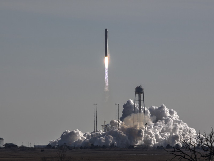 Antares/Cygnus Orb-1 Launch from Wallops Island, 9 Jan 2014