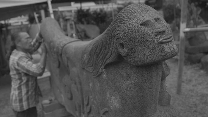 """Hoaka's carving of """"Papa and Wakea"""" tells the Hawaiian story of creation."""