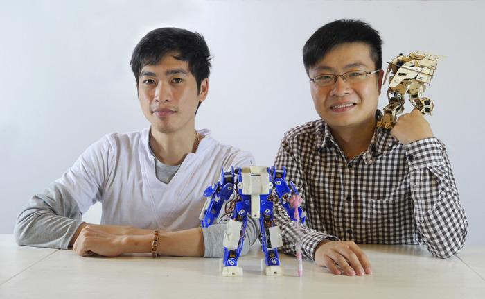 Zebo Sun (left) and Jiaqi Hu (right)