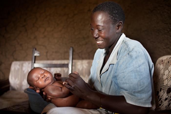 Mother and infant in Kumasi, Kenya