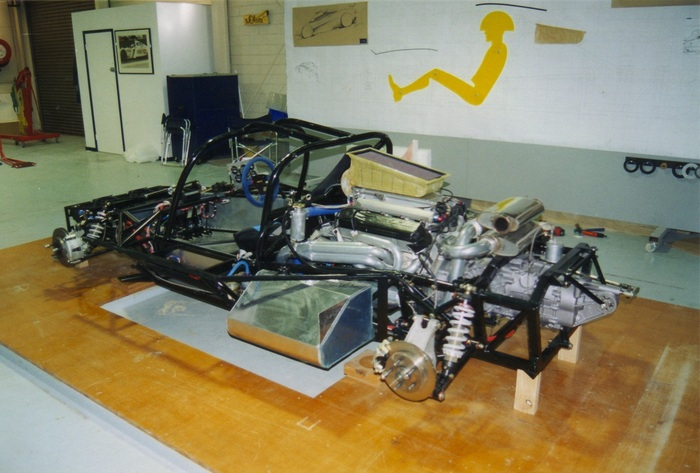 Above: JOSS JT1 test vehicle chassis and driveline assembly.