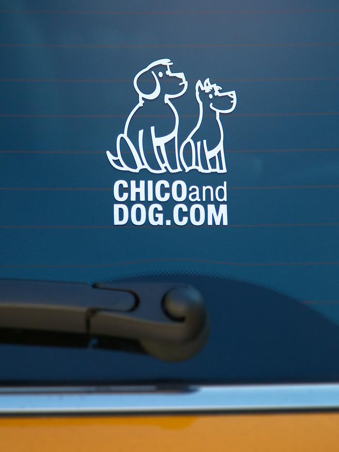 Chico&DOG vinyl sticker