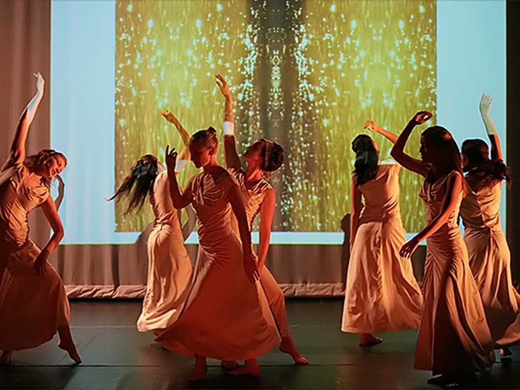 """Shay Ishii Dance Co. Performs """"New Moon"""" by Erick Hawkins's video poster"""