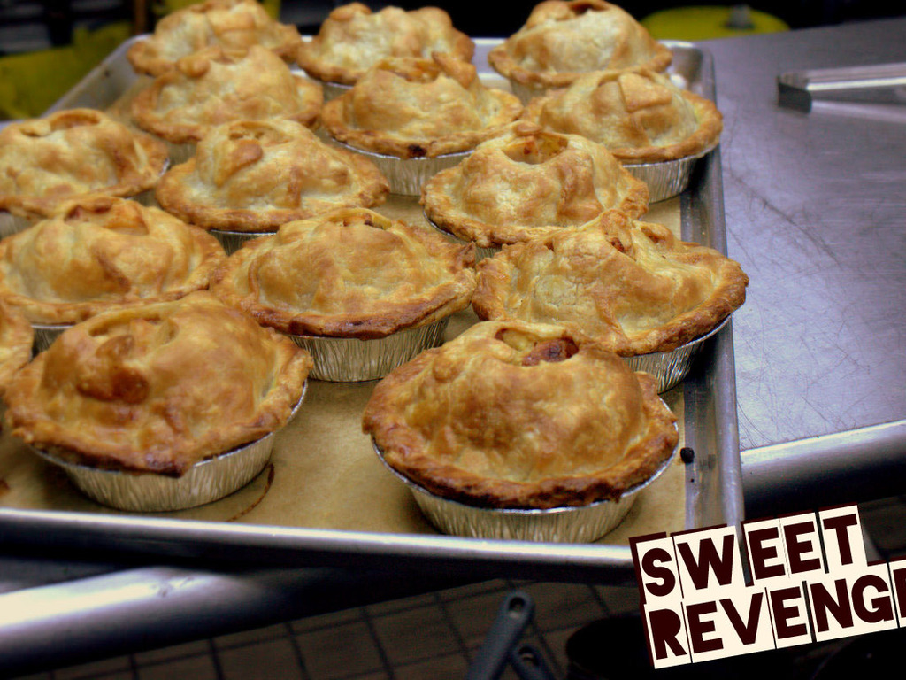 Sweet Revenge Honolulu: Honolulu's First Pie Mobile!'s video poster