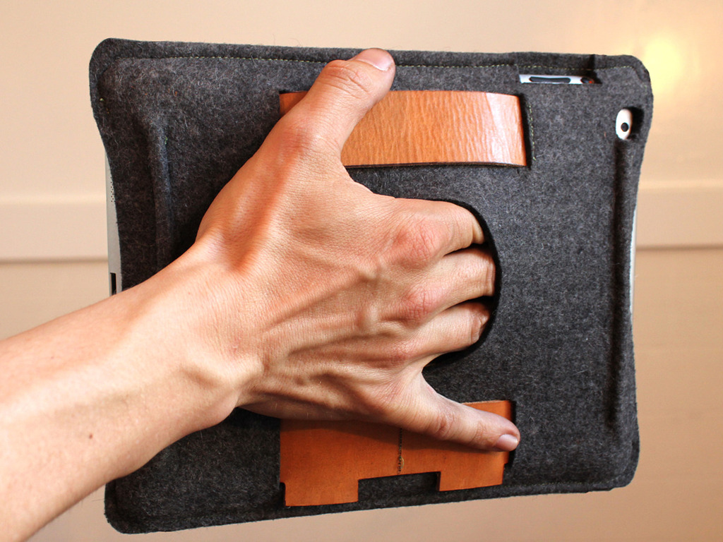 PaletteCase: A Better Way To Grip Your iPad and iPad2's video poster