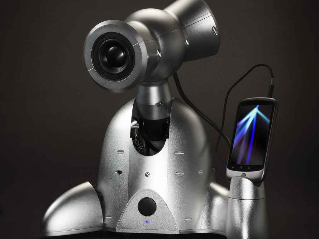 Shimi - A Smart Musical Robot For Your Smartphone's video poster
