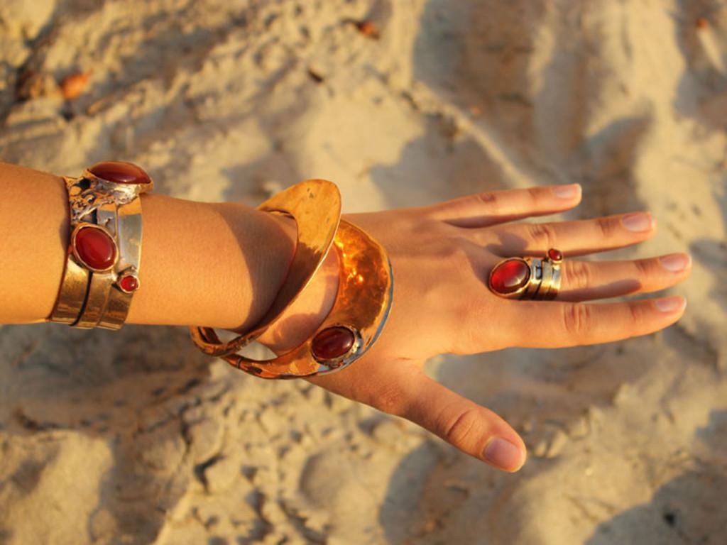 Oana Mirela Jewelry's video poster