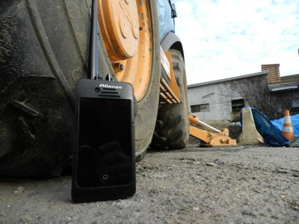 DXB: Walkie-Talkie dock for iPhone Android Blackberry & WM's video poster