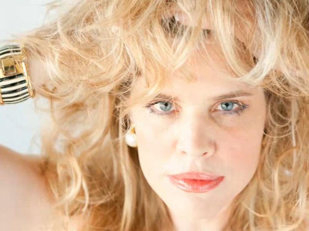 Acapelladiva's Opera Debut Phoenix CD Album's video poster