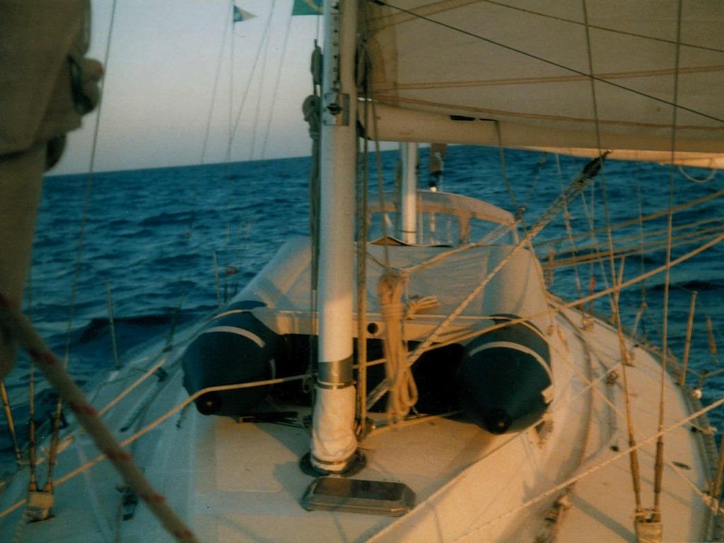 El Viaje - de Buenos Aires a Miami en 95 dias por mar.'s video poster