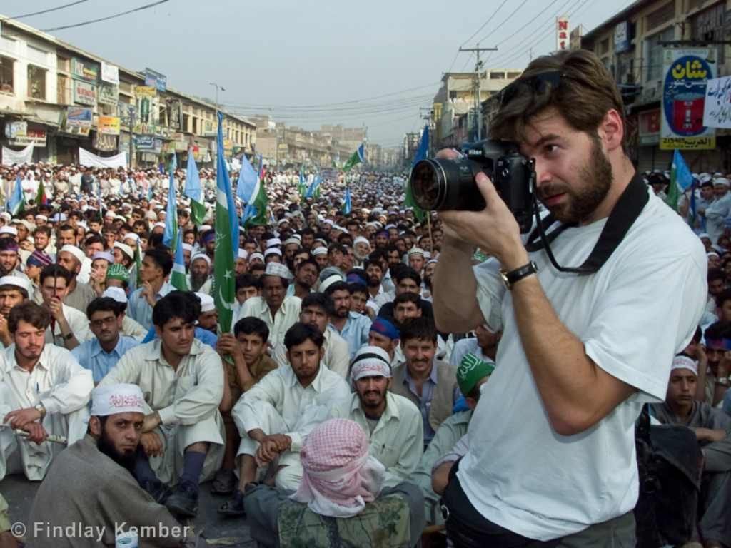 Hondros: A Life in Frames's video poster
