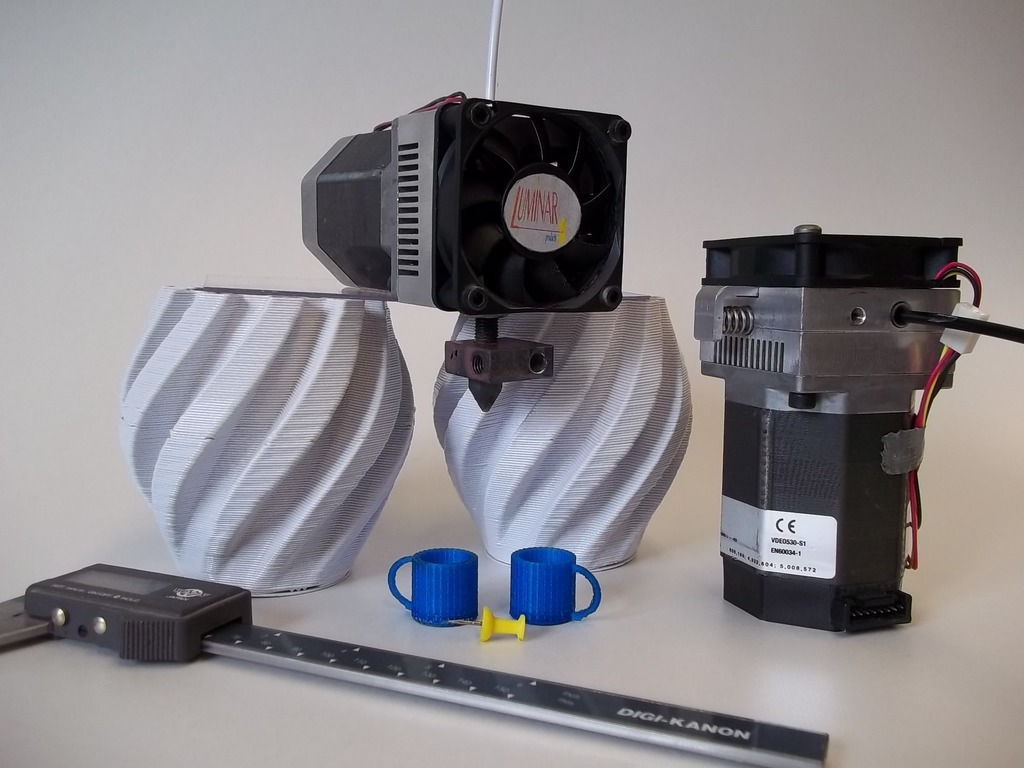 Improved 3D printer extruder allows more plastic options's video poster