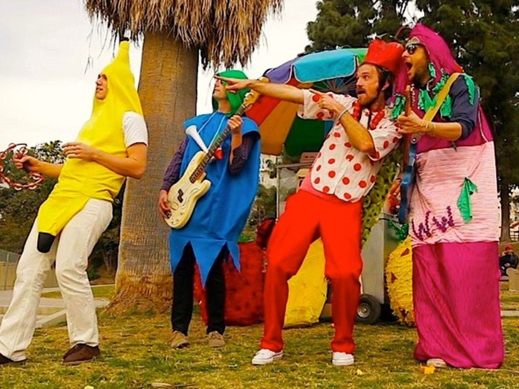 "Apple Brains ""Frutero"" children's music video!'s video poster"
