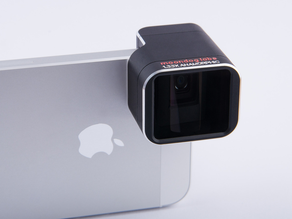 1.33x Anamorphic Adapter Lens for iPhone 5/5S's video poster