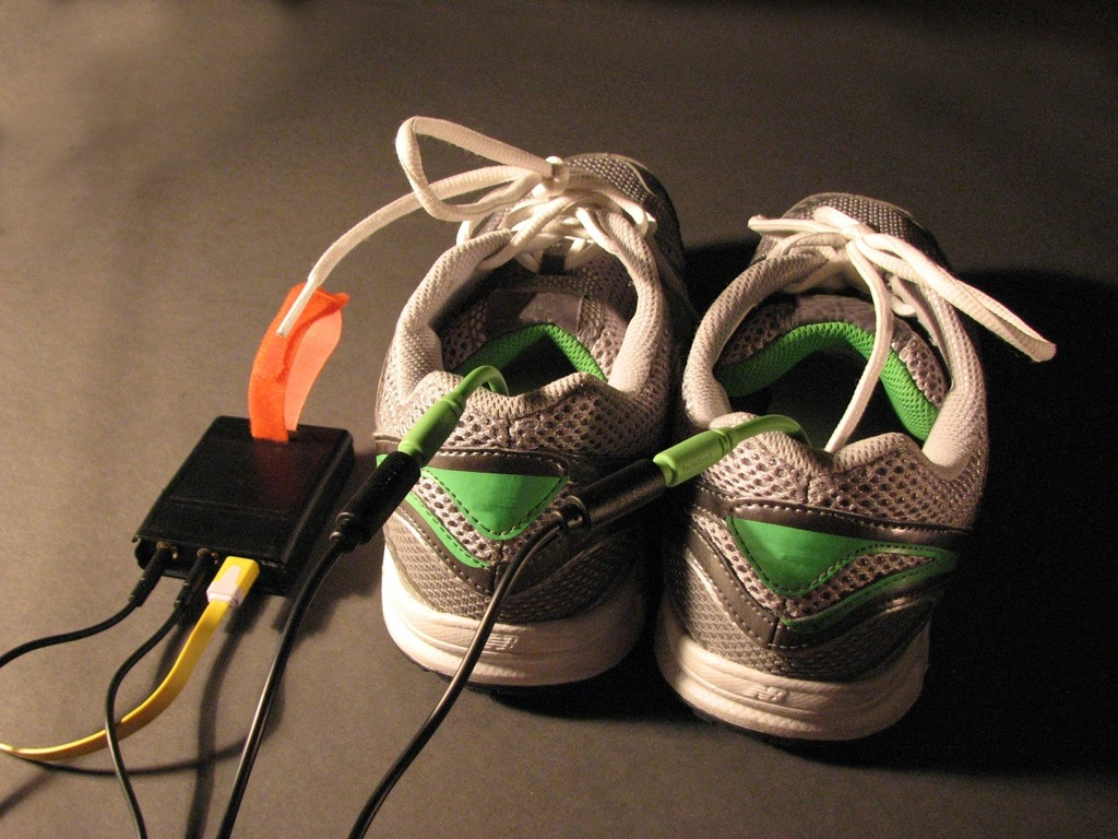 ShoeHaiku: Game/VR controllers that fit in your shoes!'s video poster