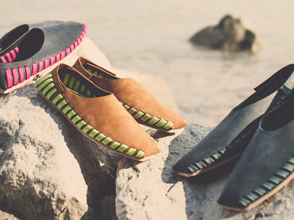 PIKKPACK - Your First Flat-Packed Premium Leather Shoe's video poster