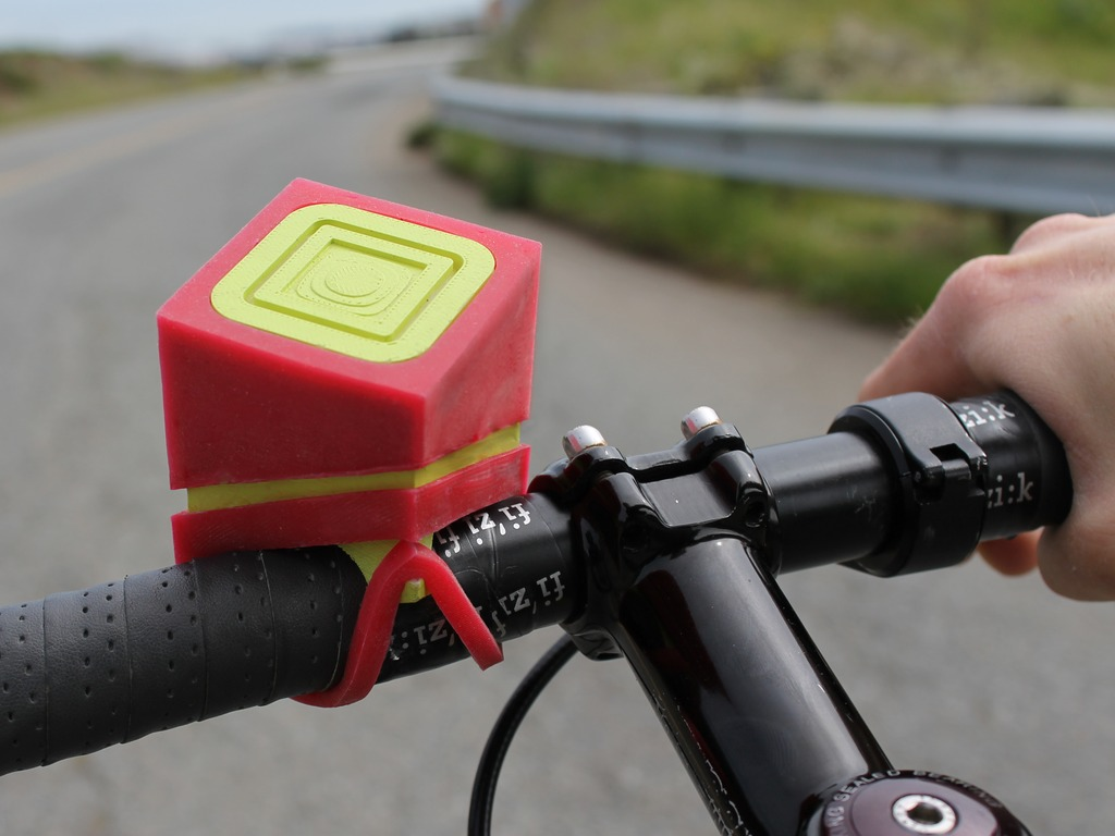 SleekSpeak: Wireless Speakers for Your Bike's video poster