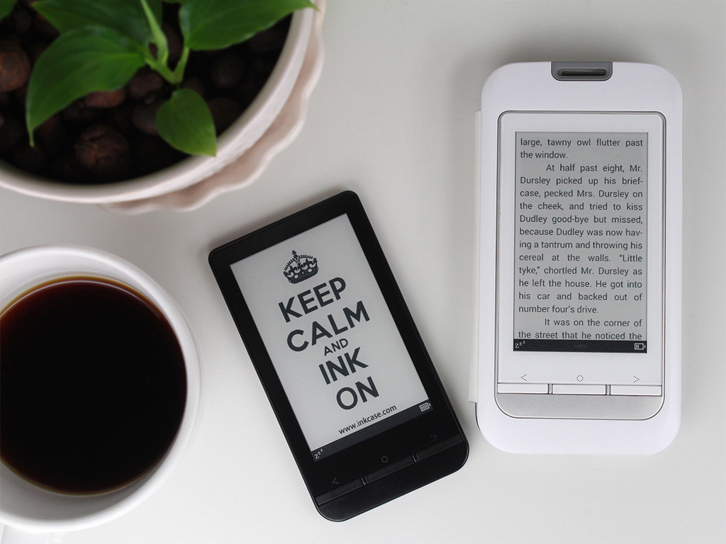 InkCase Plus: E Ink screen for Android phone's video poster