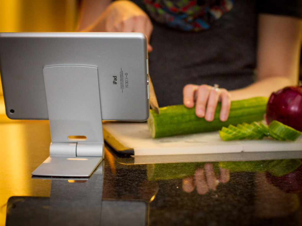 Leaf Mount: Collapsible stand for iPads, Samsungs, Kindle+.'s video poster